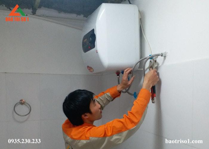 Bảo dưỡng bình nóng lạnh Rossi tại nhà Hà Nội giá rẻ