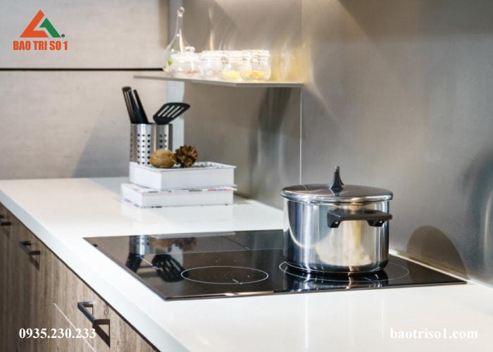 Khắc phục lỗi bếp từ uy tín - chuyên nghiệp - giá tốt tại nhà
