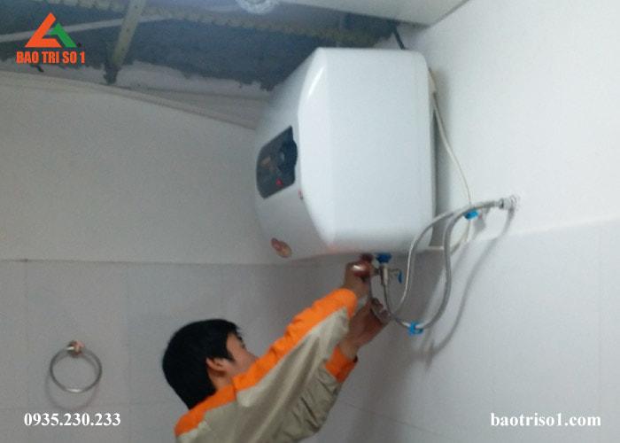 Sửa bình nóng lạnh tại nhà quận Long Biên