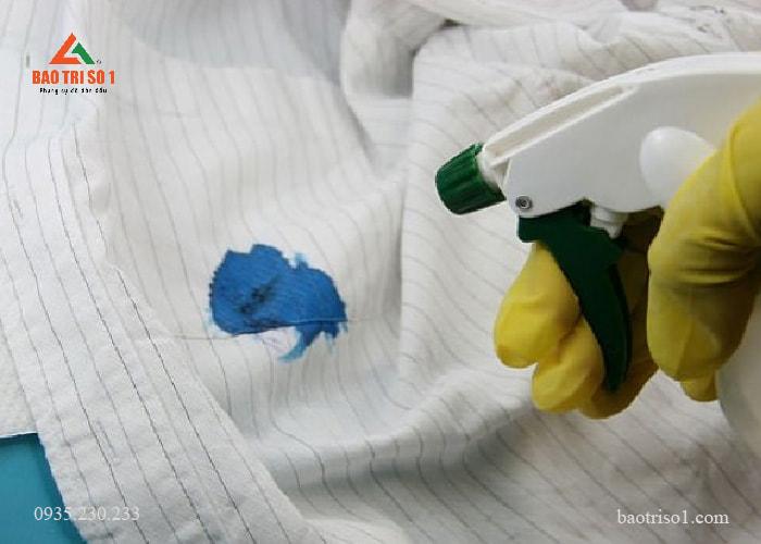Mẹo giặt quần áo đơn giản.