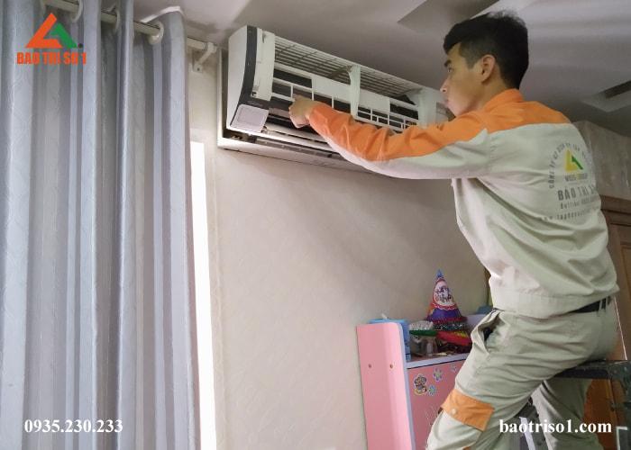 Sửa chữa vệ sinh điều hòa tại nhà Hà Nội