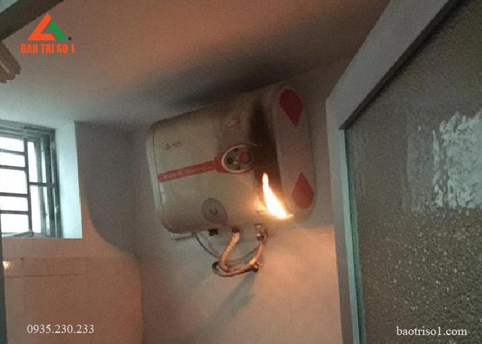 Nguy hiểm khi sử dụng bình nóng lạnh